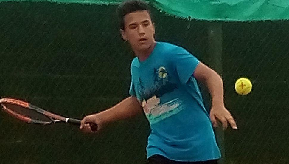 El tenista Santino Rapallini vuelve a competir, tras sufrir una lesión ligamentaria.