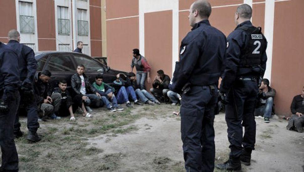 Polémica en Sicilia por fuga de refugiados tunecinos