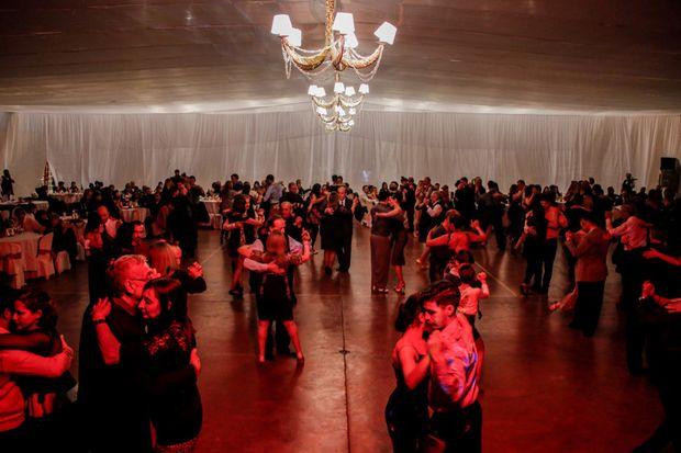 Las parejas buscaron lograr un lugar en el mundial de Tango.