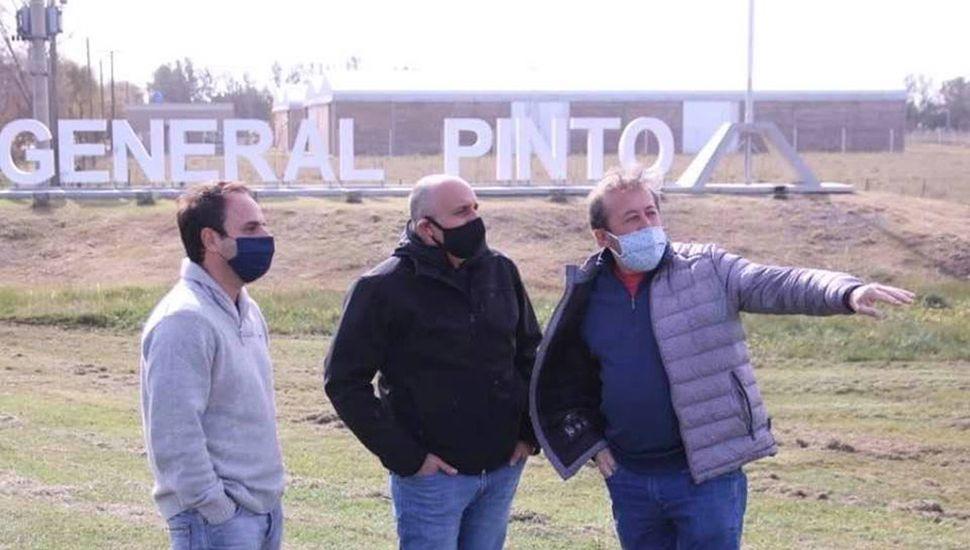 El gerente ejecutivo de Regiones de Vialidad Nacional, Patricio García, recorrió el tramo de la carretera que está en reparación.