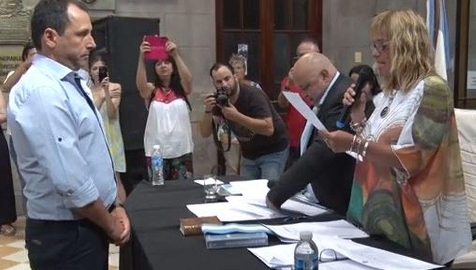 Rossi renovó su mandato y asumieron los nuevos concejales de Rojas
