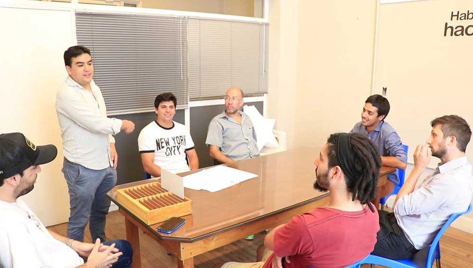 Coordinadores y colaboradores de Juventud, en la organización de Junín Rock.