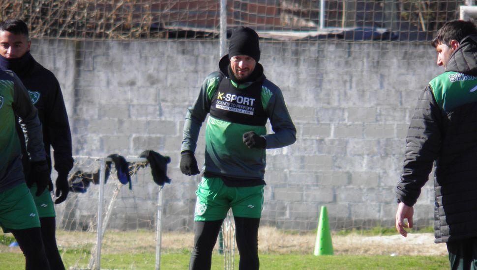 Ariel Cólzera, el volante mostró un gran nivel en el debut.