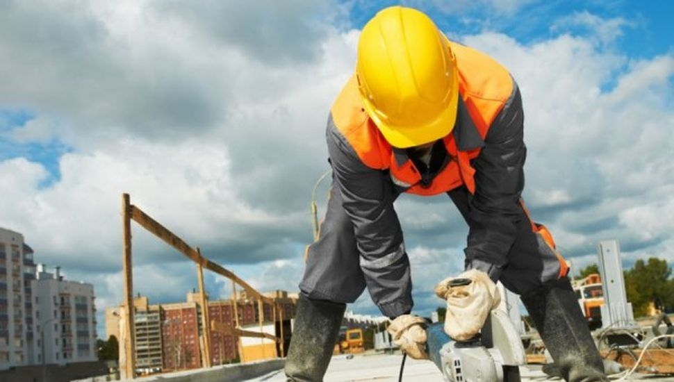 La venta de insumos para la construcción bajó 30% interanual