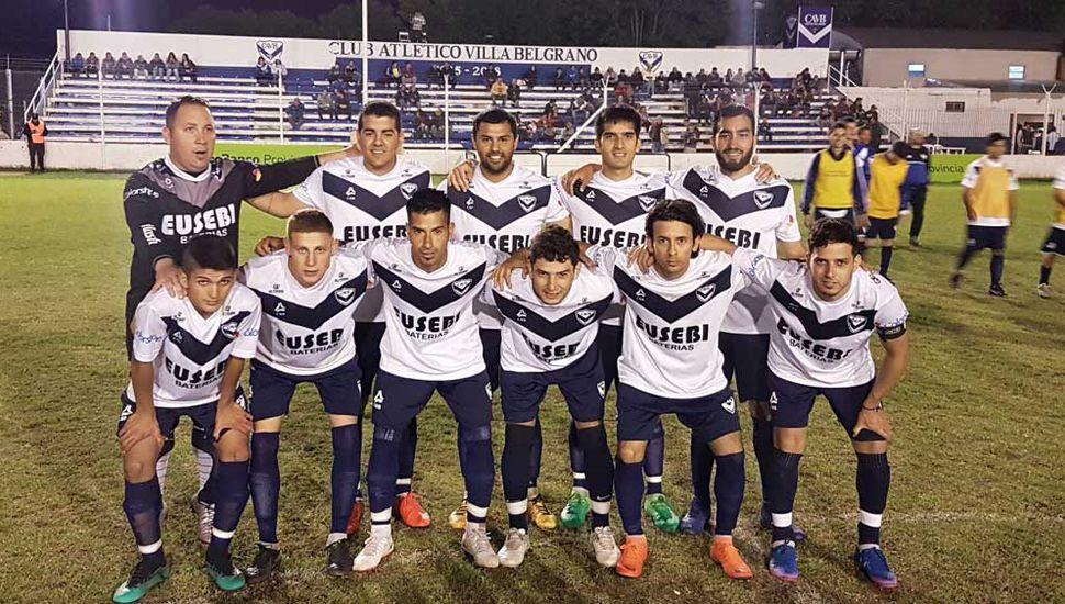Titulares de Villa, anoche, en el Estadio