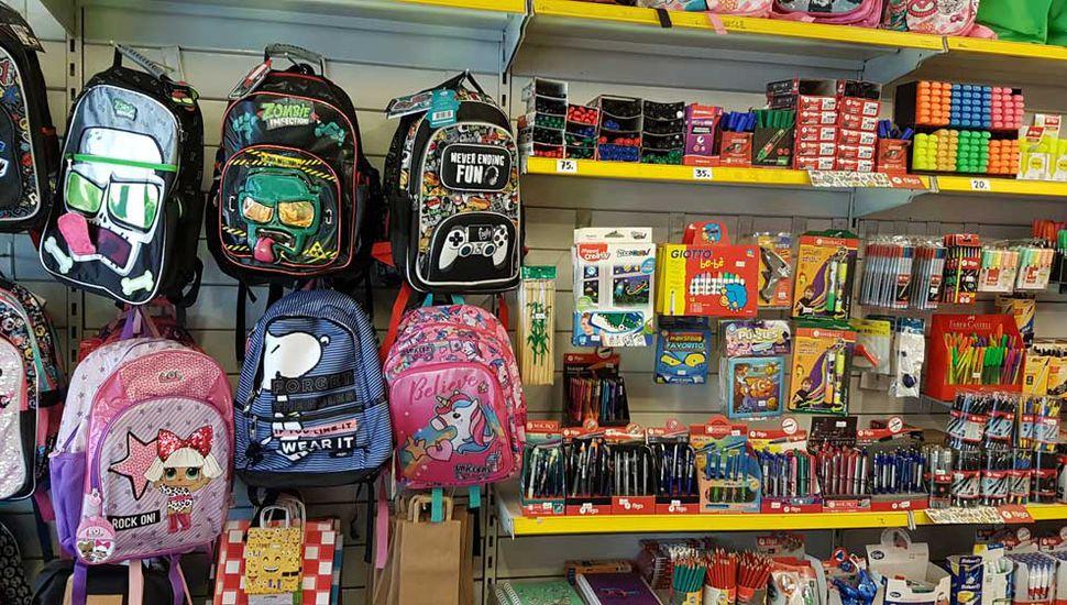 Algunas mochilas de espalda pueden conseguirse entre $600 y $800.