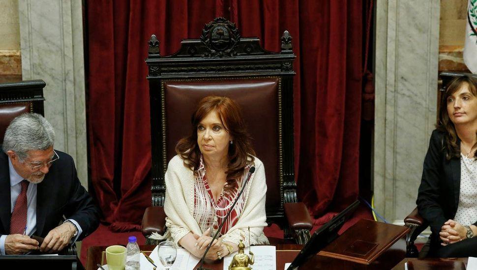 Obra Pública: Cristina pidió que la  OA y la UIF no actúen en el juicio