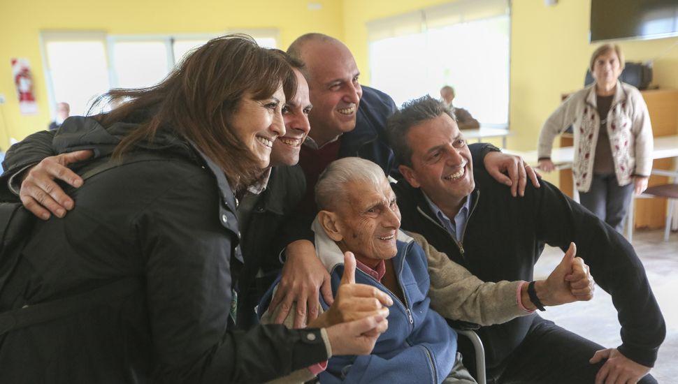 """Massa, en General Pinto: """"Los jubilados son las víctimas más claras del Gobierno"""""""