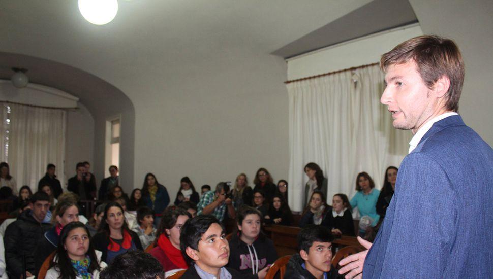 Carlos Ferraris, en el Parlamento Juvenil del Mercosur.