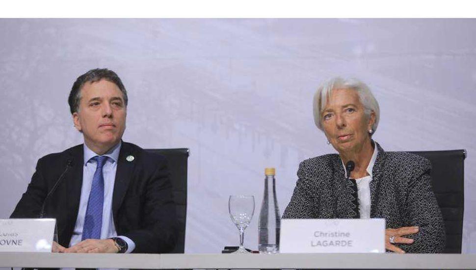 Nicolás Dujovne dijo que la economía caerá 1% en 2018