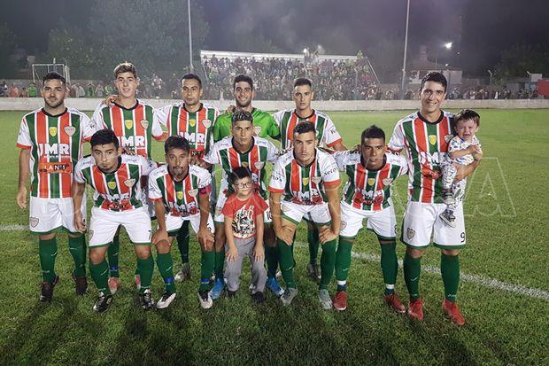 Primera división de Ambos Mundos, finalista.