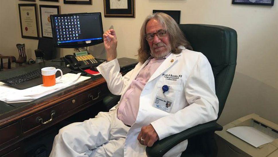 Ex médico de Trump reveló que él escribió su propio informe de salud