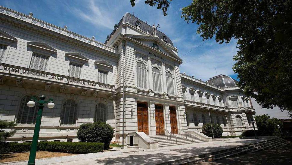 La Suprema Corte Bonaerense resolvió avalar ayer, en fallo divido, el ingreso de Sergio Torres al máximo tribunal provincial.