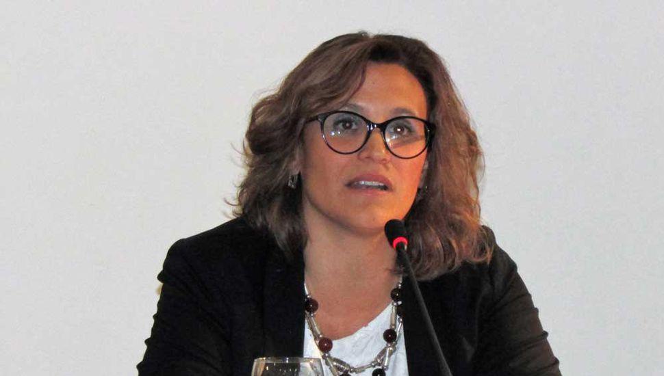 La doctora Virginia Pasquinelli fue elegida para conducir la Escuela de Ciencias Agrarias Naturales y Ambientales.