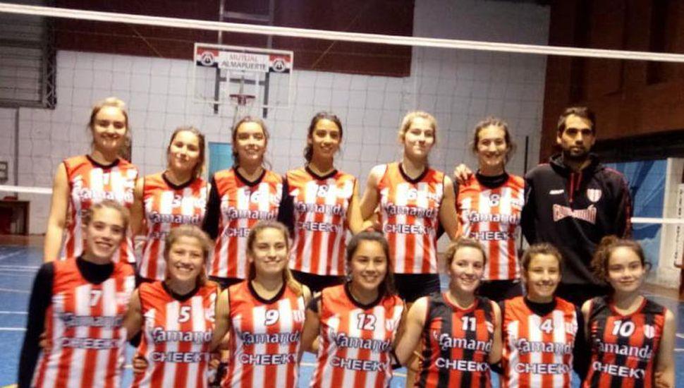 """El equipo Sub-17 """"A"""" que representó al Club Junín en Las Varillas."""