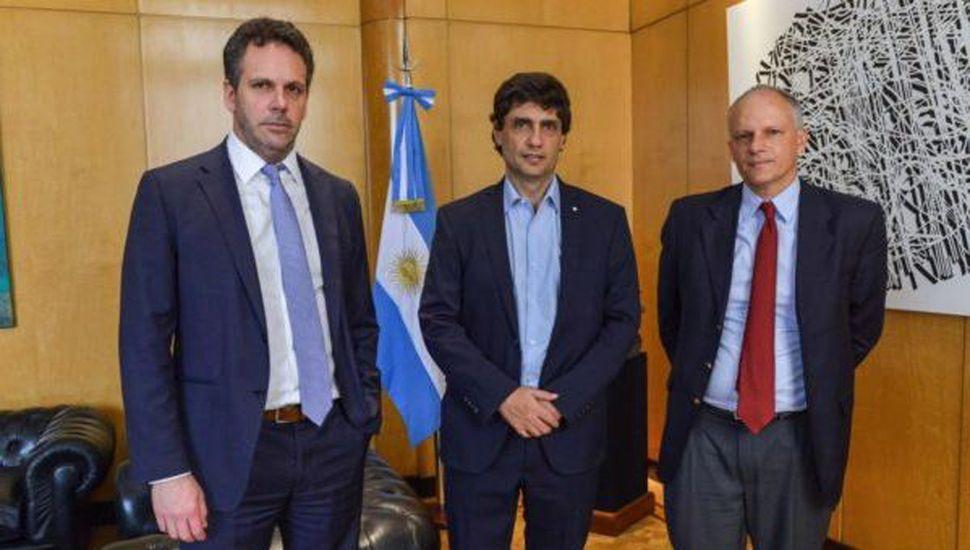 Lacunza se reúne con el FMI para destrabar el giro de dinero