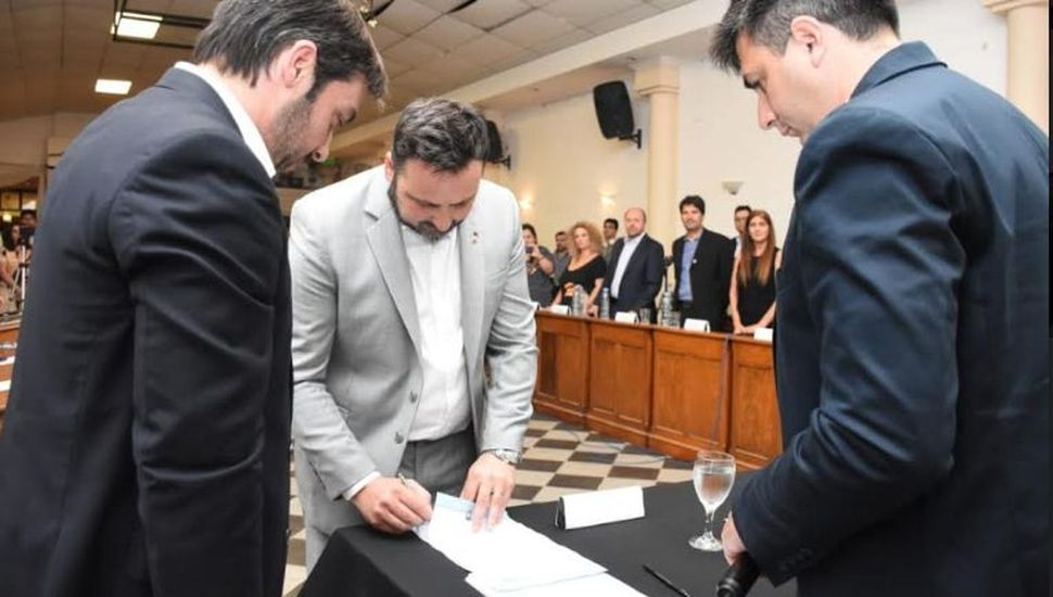 Aiola asumió su segundo mandato como intendente de Chacabuco