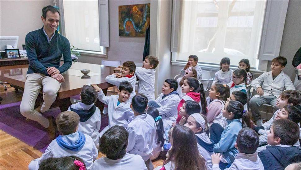 Los chicos dialogaron con el intendente Pablo Petrecca.