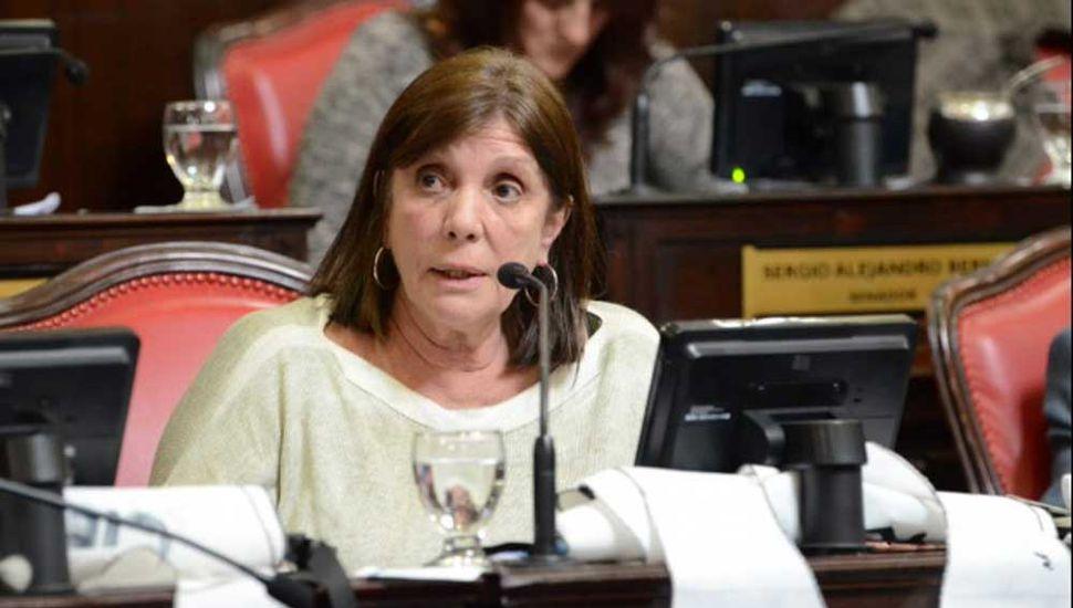 """""""El desdoblamiento electoral es una cortina de humo"""", aseguró Teresa García."""