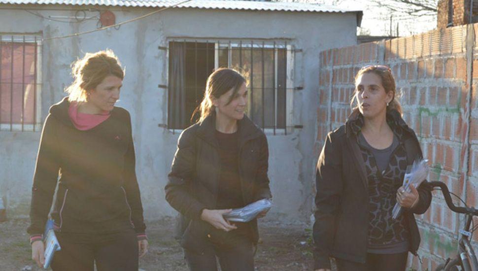 Lucila Scorsetti, con la concejal Maia Leiva y la diputada Rocío Giaccone.