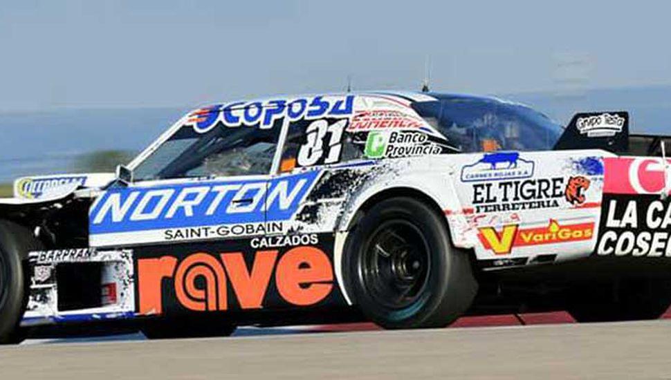Con la coupé Dodge N° 81, el juninense Federico Pérez se ubicó 33° ayer en el tercer entrenamiento, realizado por el Turismo Carretera en Rosario.