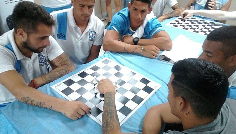 El equipo argentino de fútbol que entrena jugando al ajedrez
