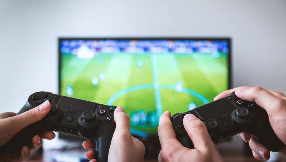 Locos por la Play: casi cuatro de cada  10 usuarios juegan unas 6 horas por día