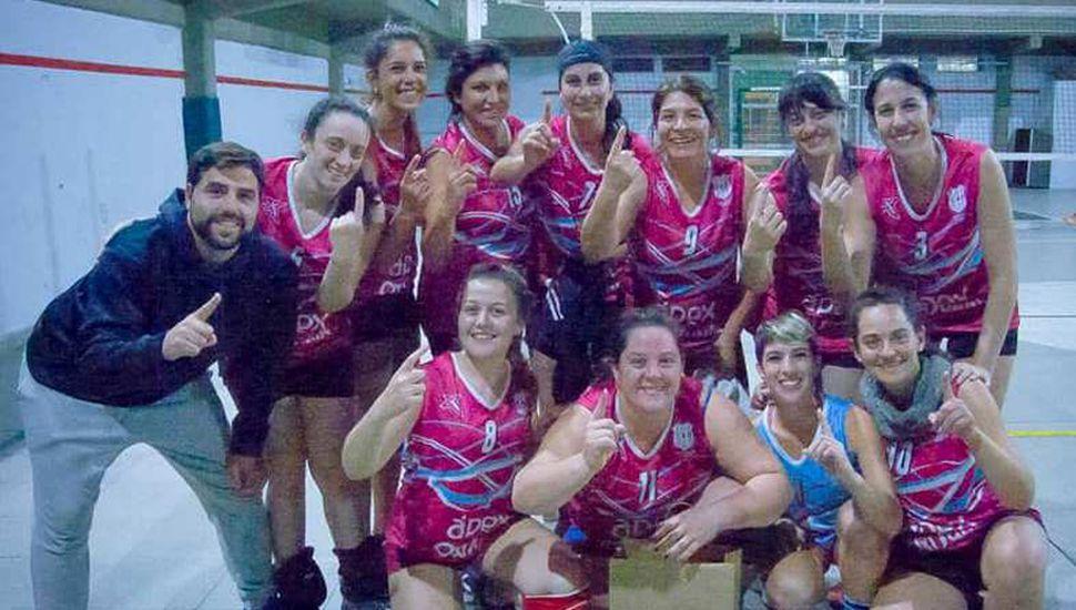 El equipo del Club Atlético Rivadavia de Junín que ganó el torneo disputado en Lomas de Zamora.
