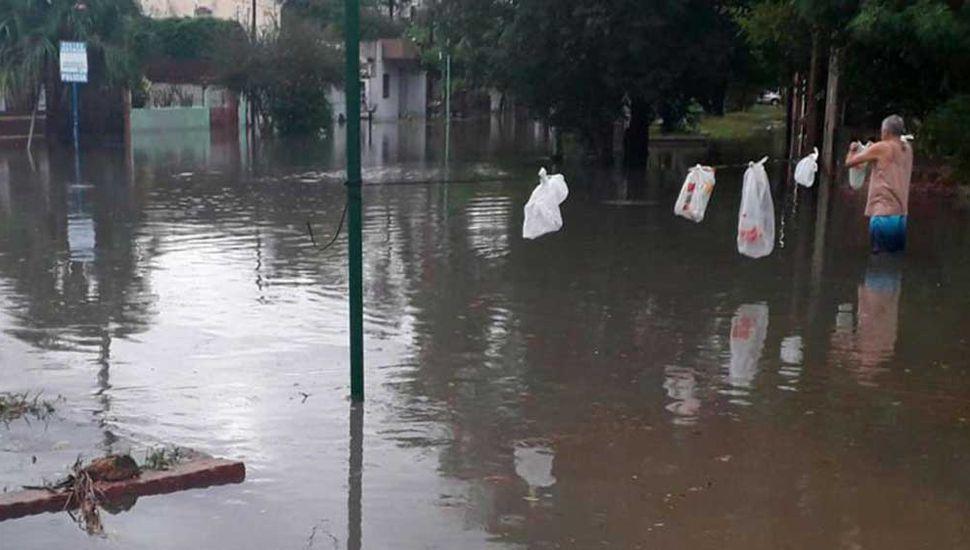 Más de 5.400 evacuados en tres  provincias por las inundaciones