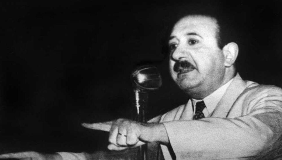 Moisés Lebensohn fundó  el Diario Democracia en octubre de 1931.