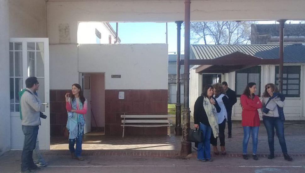 Autoridades provinciales recorrieron el histórico edificio de la Escuela Nº 1