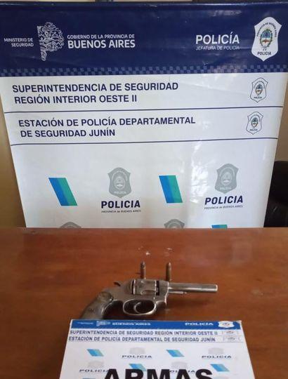Se incautaron dos armas de fuego.