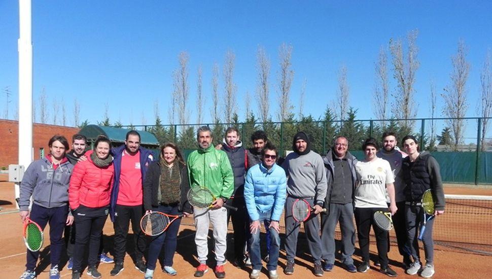 Alejandro Murray y profesores que asistieron a la capacitación.
