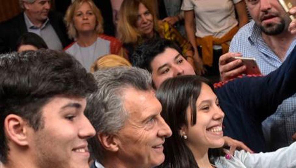 Macri instruyó a Lacunza para que insista con destrabar el desembolso