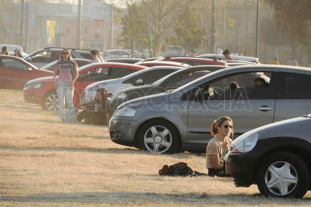 Una tarde de domingo con mucha concurrencia en plazas y parques
