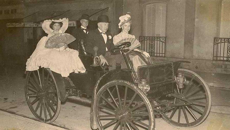 Un International modelo 1900, de Pedro J. Ramello, el primero que recorrió las calles de la ciudad de Rojas