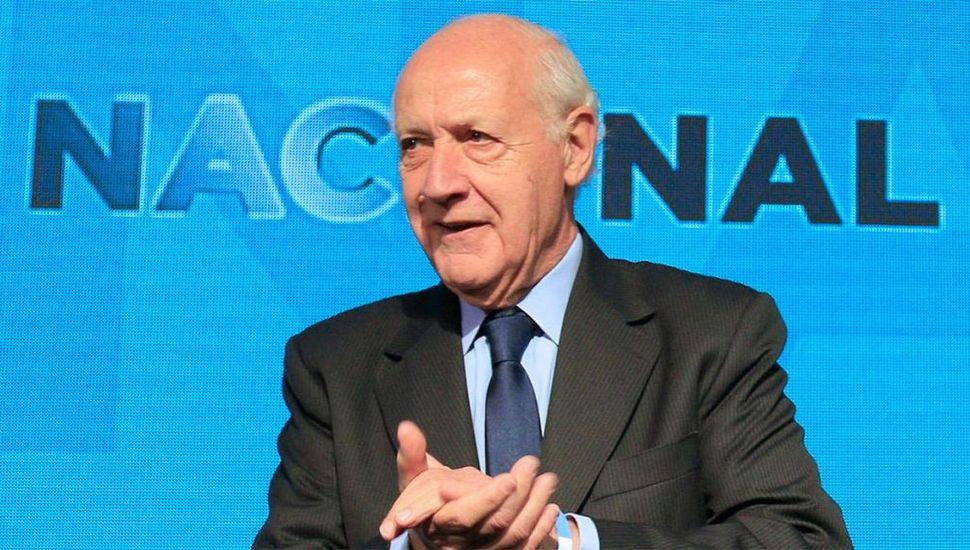 """Lavagna dijo que la gobernabilidad depende de """"consumo e inversión"""""""
