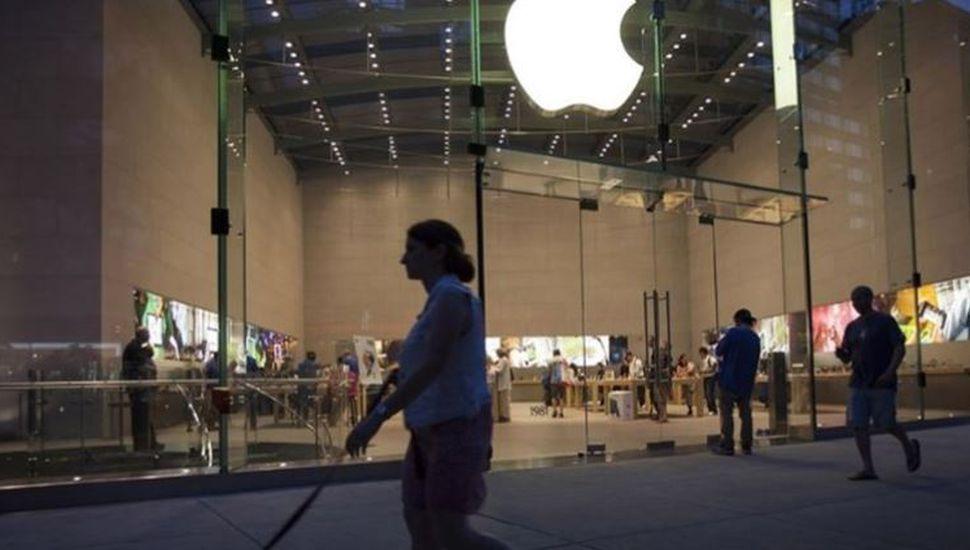 Un chico de 18 años demandó a Apple por 1.000 millones de dólares