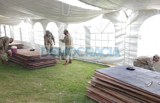 Comenzaron a construir la carpa en el Hospital con capacidad para unas 100 camas