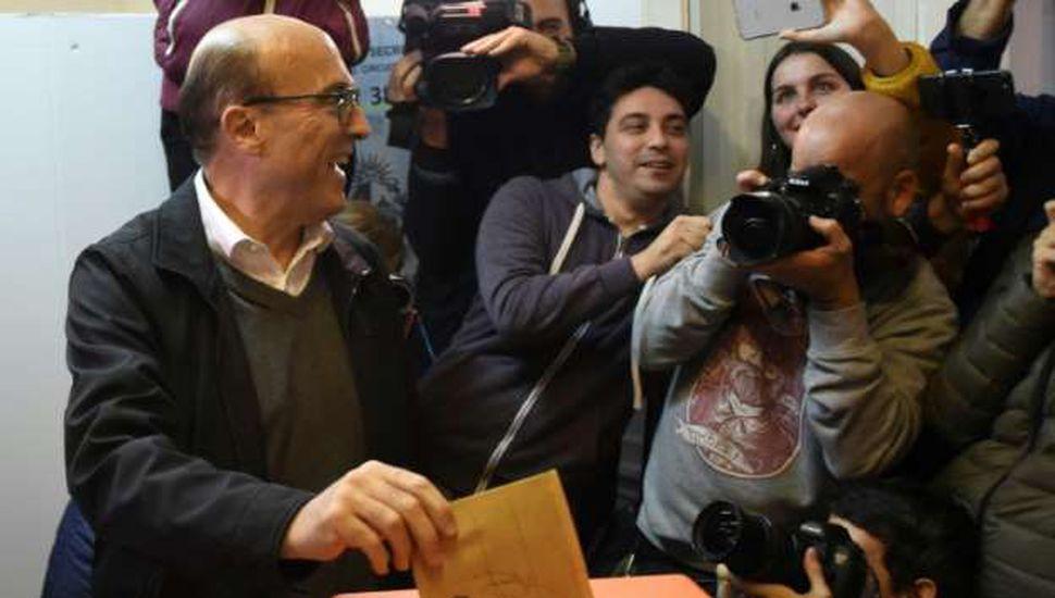 Primarias en Uruguay: duelo  entre Martínez y Lacalle Pou