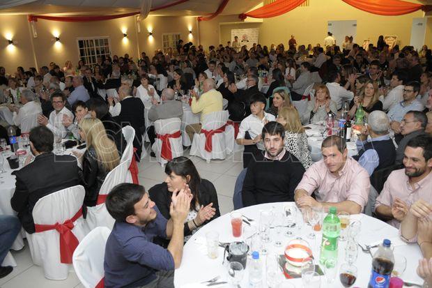 Noche de alegría para festejar el cumpleaños del Club Los Miuras
