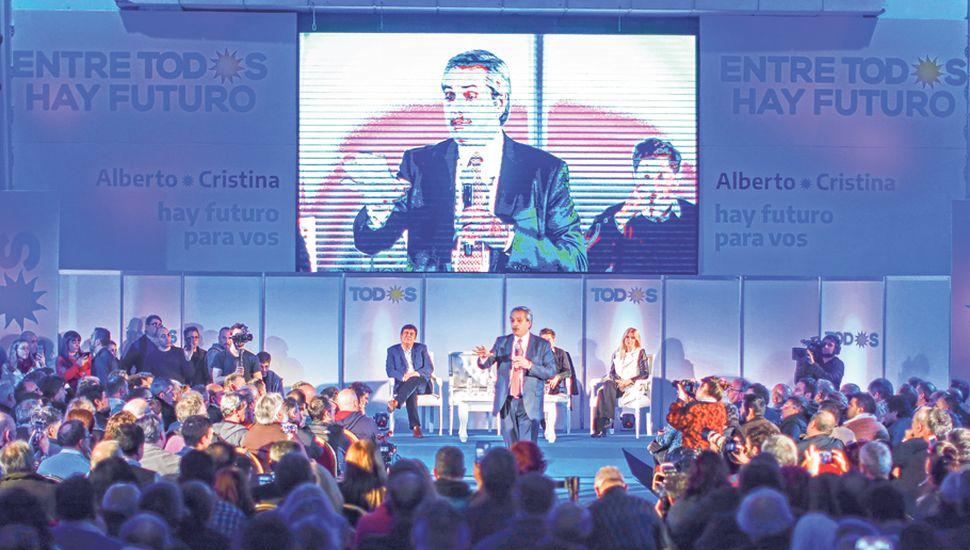 Alberto Fernández prometió bajar las tasas de interés de las Leliq, aumentar los salarios y subir las jubilaciones.