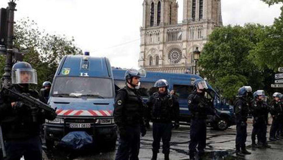 Un atentado frustrado vuelve a atemorizar a Francia
