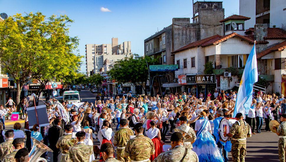 Se unieron al festejo agrupaciones de Papelnonos de distintos lugares.