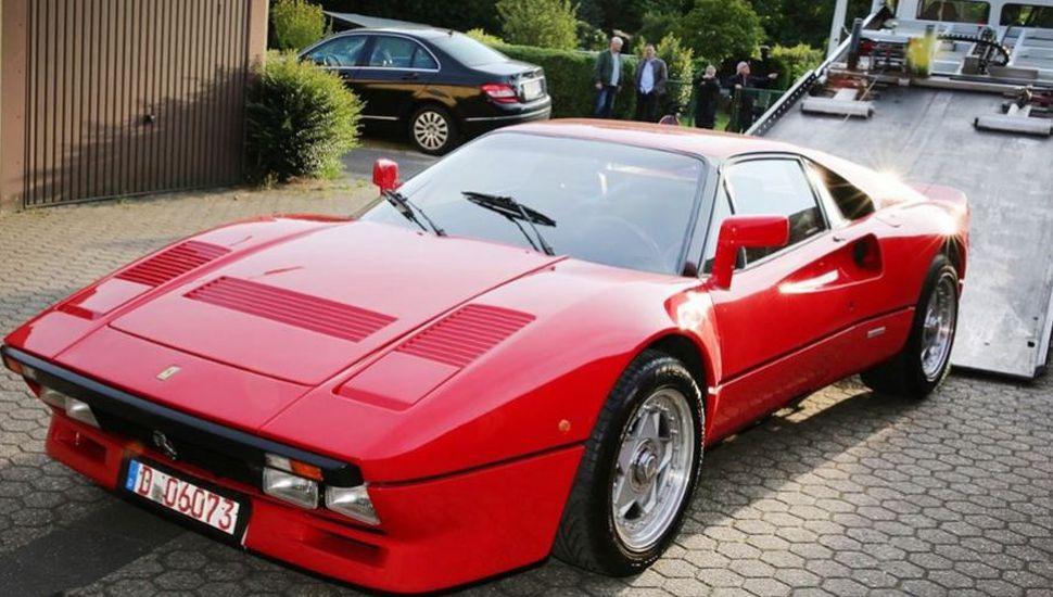 Pidió probar un Ferrari valuado en más de 2 millones de euros y se lo robó