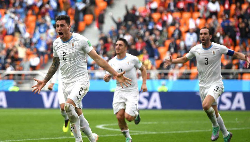 Jiménez celebra el gol del triunfo que anotó en el minuto 44 del complemento.