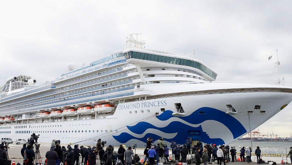 El ciudadano argentino fue evacuado del crucero e internado en un hospital japonés.