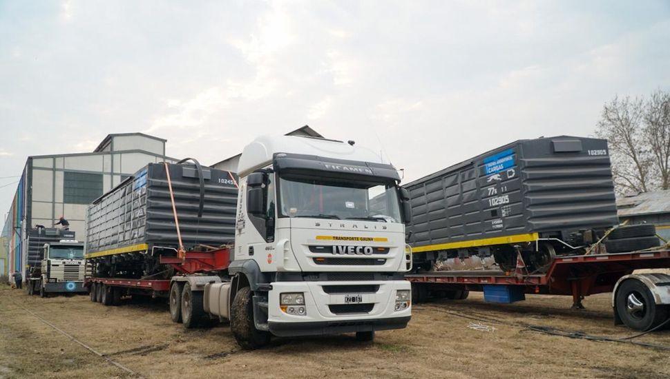 La Coottaj entregó tres vagones reparados en Junín