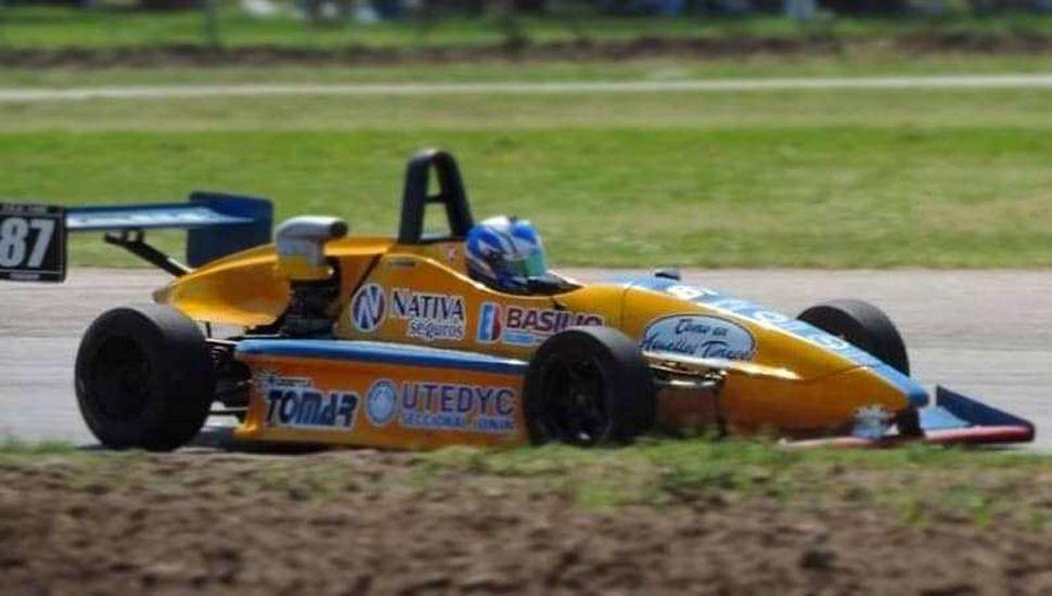 A bordo del Fórmula Renault N° 87, Francisco Rodríguez Papaleo terminó séptimo en Arrecifes.
