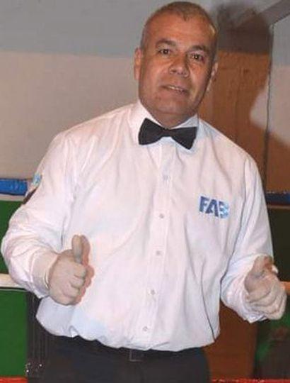 El árbitro Ramón Leiva.
